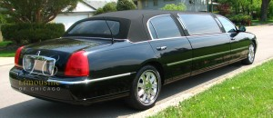 6 passenger stretch by Limousine of Chicago