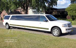 14 passenger SUV limousine Lincoln Navigator