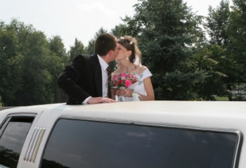 get a romantic wedding with limo Chicago